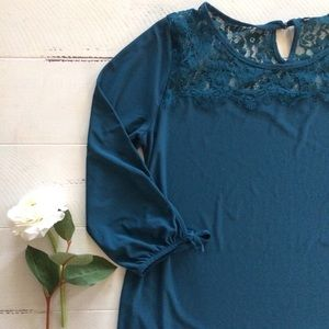 Teal Lace Top 3/4 Sleeve T-Shirt